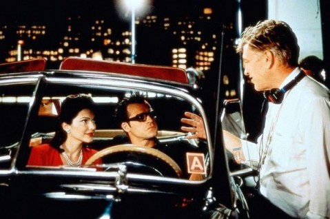 Laura-Harring-Justin-Theroux-and-David-Lynch-on-the-set-of-Mulholland-Dr.-600x399
